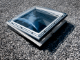 fenetre coupole motorisee pour toit plat
