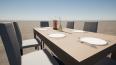 table chaises et couverts