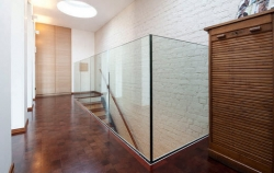 Balustra L  free standing glass balustrade
