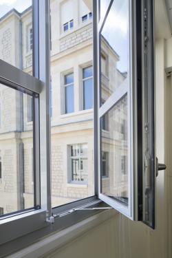 Asymmetric French Window - KALORY SPECI'AL K