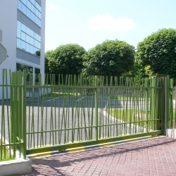 OOBAMBOO sliding gate